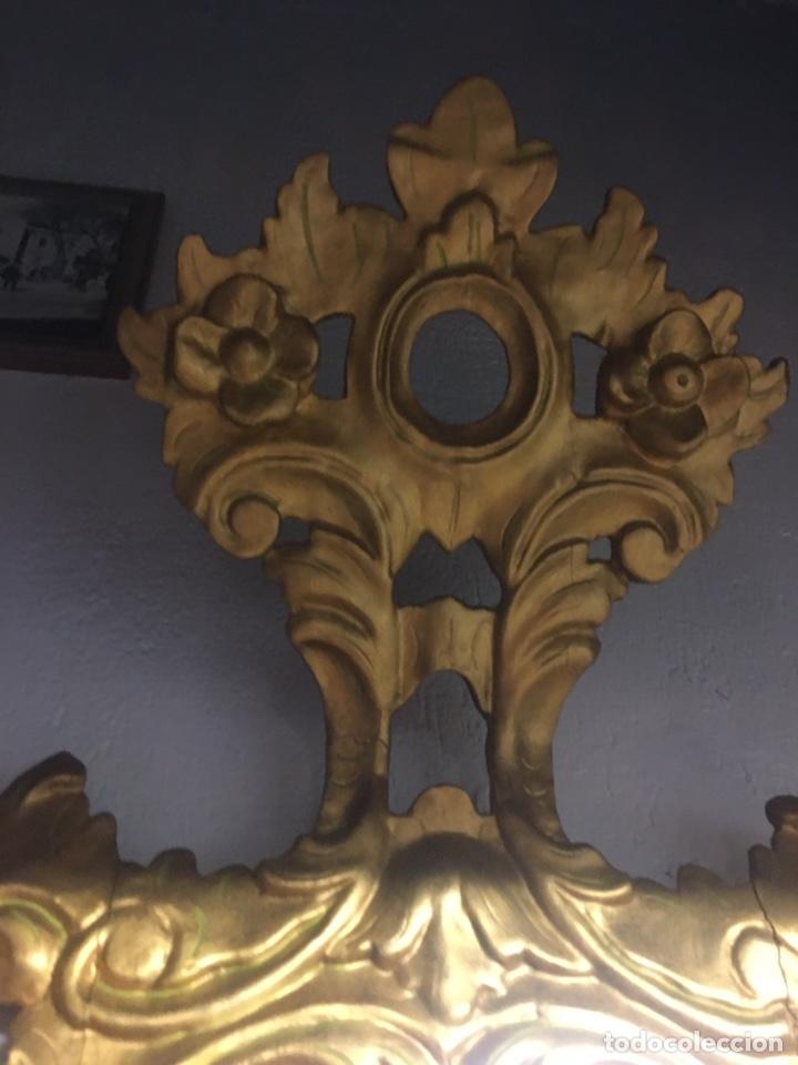 Antigüedades: Espejo Sec XXVlll / XlX cornucopias con marcos en madera tallada y fino pan de oro. - Foto 14 - 247173285