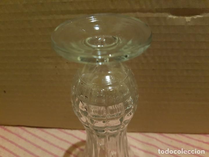 Antigüedades: Bonito y elegante florero en cristal italiano de los años 80 con su caja original. Italia - Foto 7 - 247244285