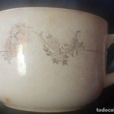 Antigüedades: ANTIGUO TAZON DE DESAYUNO DE PORCELANAS SAN CLAUDIO. Lote 247258035