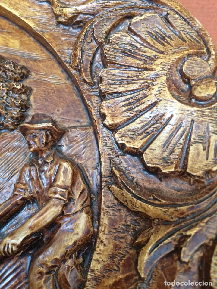Antigüedades: PLATO TALLADO EN MADERA MOTIVO AGRICOLA - AÑOS 50- LABRANZA - Foto 6 - 247345905