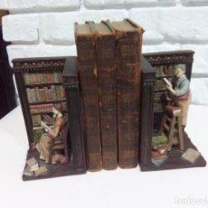 Antigüedades: ANTIGUOS SUJETALIBROS DE MADERA. Lote 247393670
