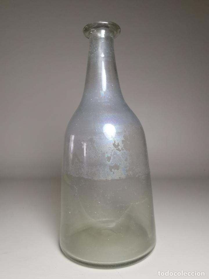 BOTELLA DE VIDRIO SOPLADO CATALUÑA PPS- SIGLO XIX---REF-MO (Antigüedades - Cristal y Vidrio - Catalán)