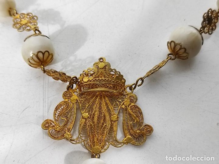 Antigüedades: Maravilloso Rosario Isabelino - Filigranas en Plata Dorada - Cuentas Grandes en Nácar - S. XIX - Foto 11 - 247490785