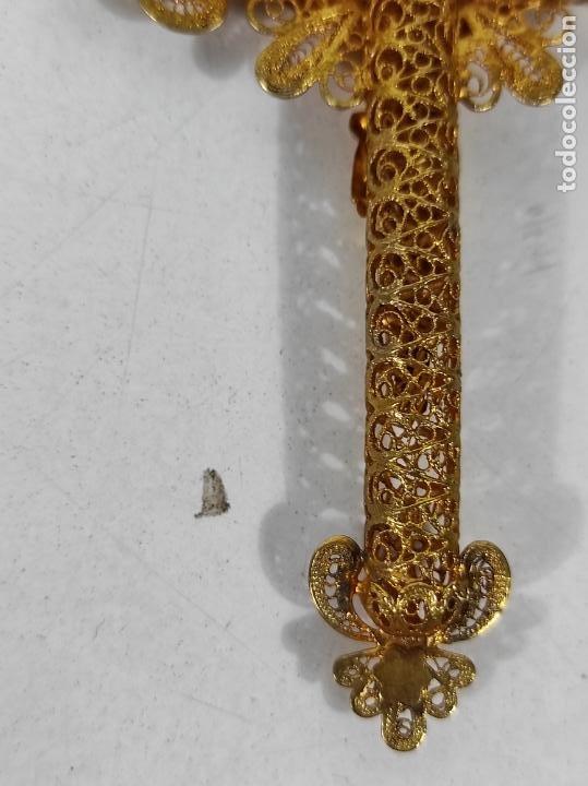 Antigüedades: Maravilloso Rosario Isabelino - Filigranas en Plata Dorada - Cuentas Grandes en Nácar - S. XIX - Foto 16 - 247490785