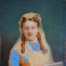Antigüedades: RETRATO ISABELINO DE NIÑA PINTADO.DEDICATORIA DE 1875 POR SU MADRE.. Lote 247664130