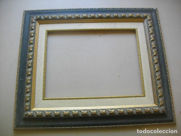 Antigüedades: EXCELENTE MARCO MOLDURA MADERA ( 64 X 56 CTMS) PAN DE ORO Y PLATA ( 40 X 30 INTERIOR) - Foto 2 - 247682020
