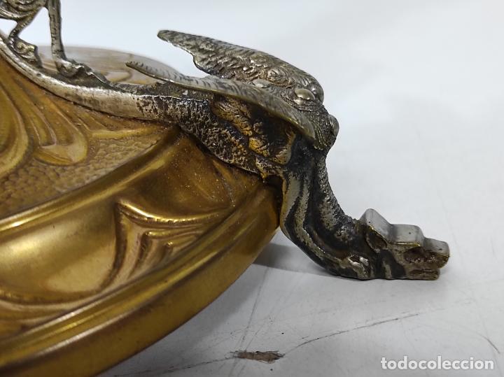 Antigüedades: Preciosa Custodia Neogótica - en Plata y Bronce Cincelado - con Caja Original - Altura 64 cm - S.XIX - Foto 5 - 247928685