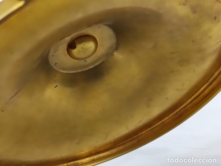 Antigüedades: Preciosa Custodia Neogótica - en Plata y Bronce Cincelado - con Caja Original - Altura 64 cm - S.XIX - Foto 41 - 247928685