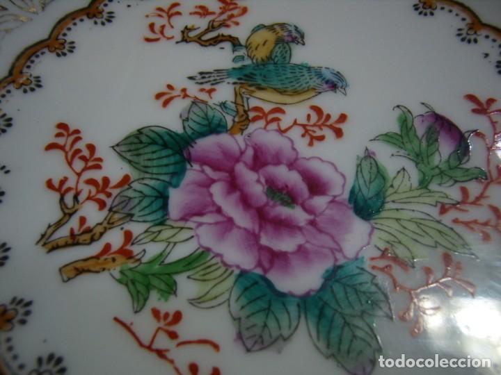 Antigüedades: Plato decorativo porcelana China, pintado a mano años 80, Nuevo sin usar. - Foto 2 - 247930195