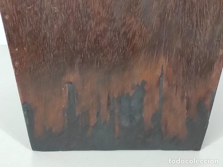 Antigüedades: Preciosa Custodia Neogótica - en Plata y Bronce Cincelado - con Caja Original - Altura 64 cm - S.XIX - Foto 49 - 247928685