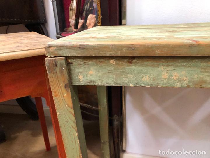Antigüedades: ANTIGUA Y PRECIOSA MESA RUSTICA DE PINO Y COLORES ORIGINALES - MEDIDA 60X40X72 CM - VINTAGE - Foto 2 - 248000940