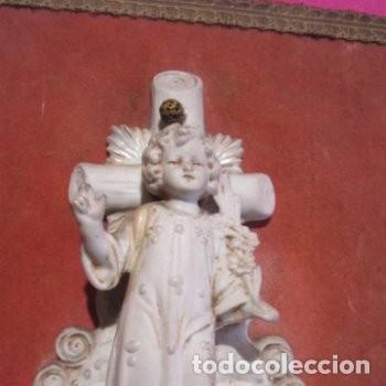 Antigüedades: BENDITERA DE BISCUIT MUY ANTIGUA Y BONITA BUEN ESTADO - Foto 2 - 248100020