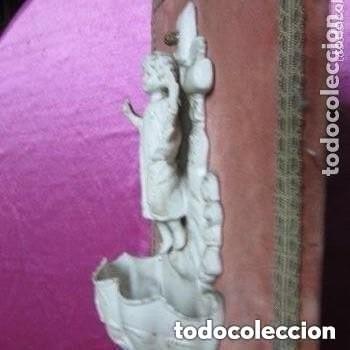 Antigüedades: BENDITERA DE BISCUIT MUY ANTIGUA Y BONITA BUEN ESTADO - Foto 4 - 248100020