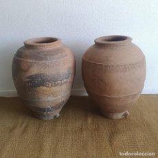 Antiquités: IMPRESIONANTE PAREJA TINAJAS ANTIGUAS DE CALANDA ALFARERIA DE BASTO EXTINTA TERUEL MEDIADOS S XIX. Lote 248125560