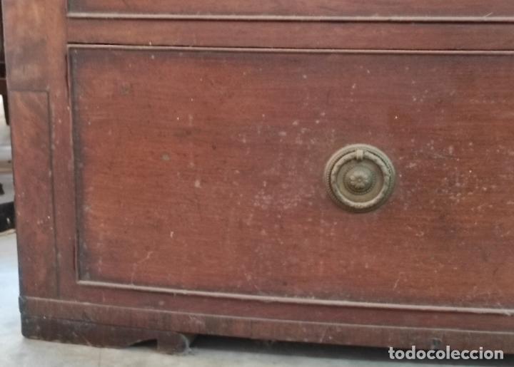 Antigüedades: Cómoda Victoriana, Inglaterra - Madera de Caoba y Ébano - Tiradores Originales - S. XIX - Foto 9 - 248130265