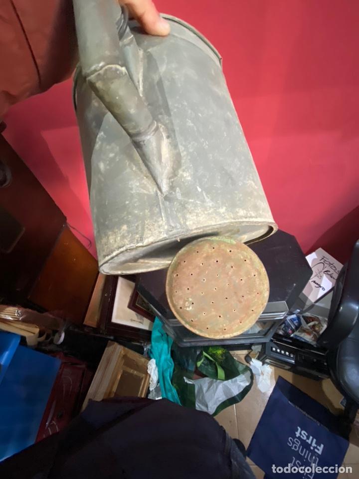 Antigüedades: Rara y ANTIGUA REGADERA DE ZINC, EN BUEN ESTADO DE CONSERVACION . PRINCIPIO SGLO XX - Foto 4 - 248137315