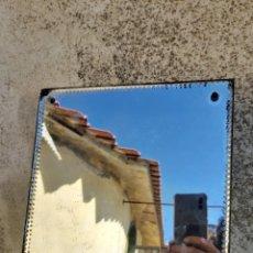 Antigüedades: ESPEJO DE TOCADOR ESTILO VENECIANO CON EL BORDE TALLADO.. Lote 248194285
