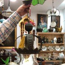 Antigüedades: ANTIGUA LAMPARA DE ORFEBRERIA Y GRAN TULIPA DE CRISTAL - MEDIDA 70 CM. Lote 248236920