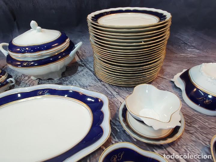 VAJILLA 72 PIEZAS DE PORCELANA BIDASOA DECORADA A MANO COBALTO Y ORO 24 K (Antigüedades - Porcelanas y Cerámicas - Otras)