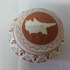 Antigüedades: ORIGINAL BOTE- JOYERO EN CERAMICA ORIGINAL DE CHIPRE. Lote 248579215