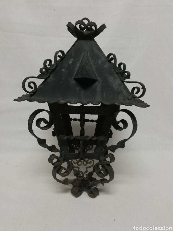 FAROL DE HIERRO EN FORJA CON FILIGRANAS. LAMPARA TECHO. (Antigüedades - Iluminación - Faroles Antiguos)