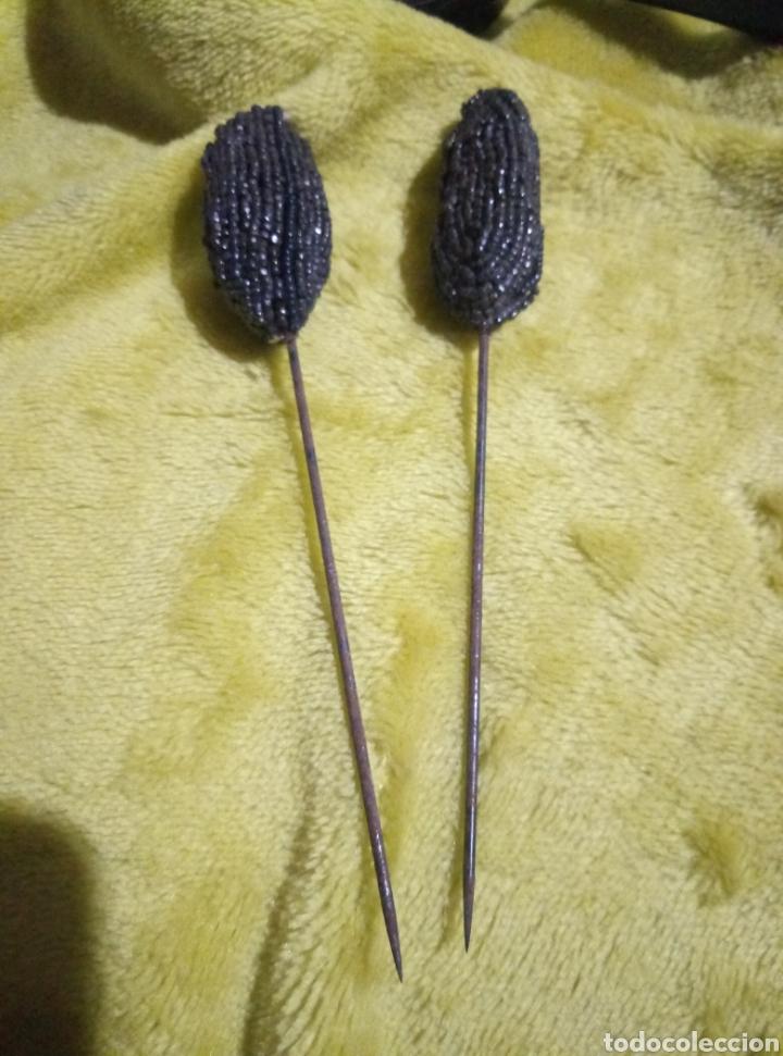 Antigüedades: Pareja de antiguas agujas azabache para sombrero - Foto 2 - 248633880