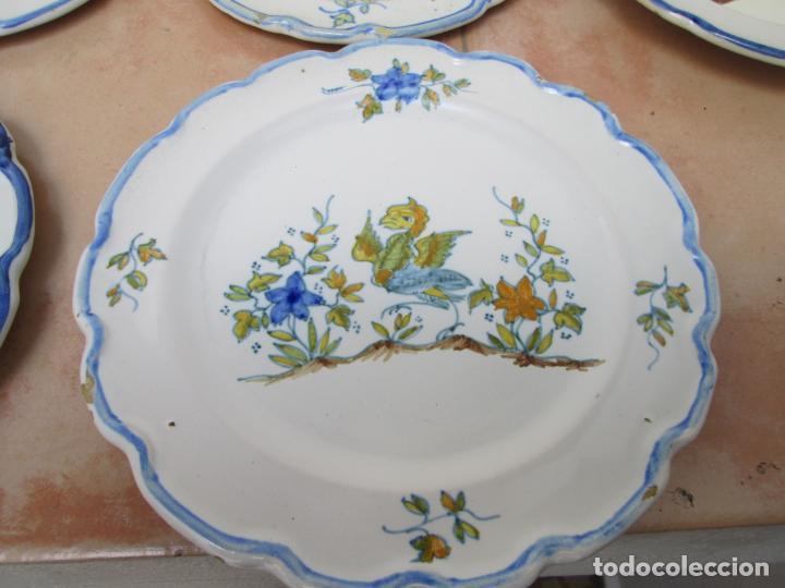 Antigüedades: Lote de Cerámica- Loza de Alcora, 2 platos hondos, 2 platos llanos y 2 de postre. - Foto 2 - 248818385