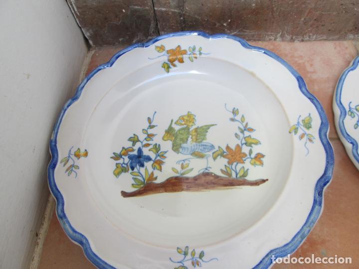 Antigüedades: Lote de Cerámica- Loza de Alcora, 2 platos hondos, 2 platos llanos y 2 de postre. - Foto 4 - 248818385