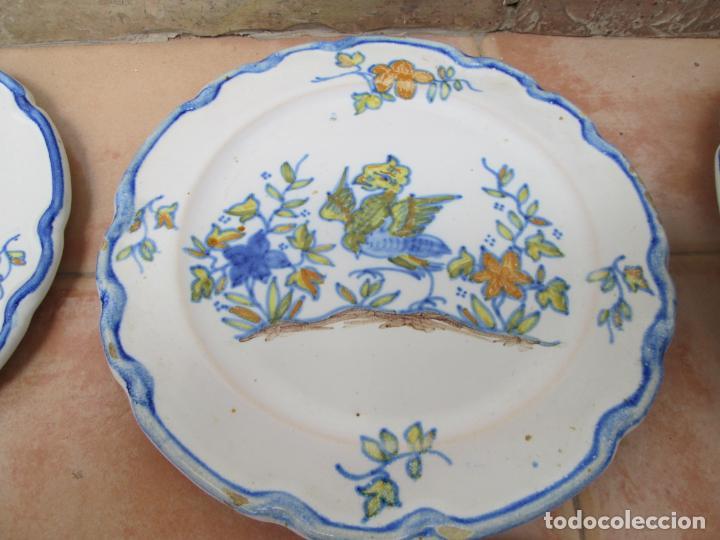 Antigüedades: Lote de Cerámica- Loza de Alcora, 2 platos hondos, 2 platos llanos y 2 de postre. - Foto 6 - 248818385