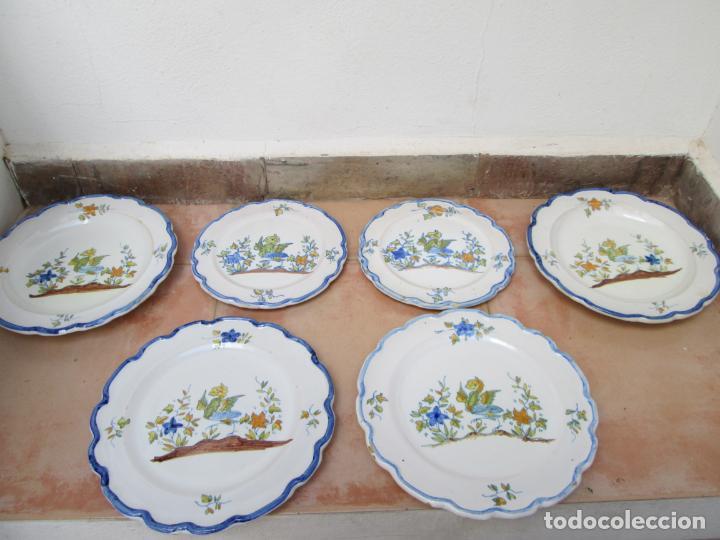 LOTE DE CERÁMICA- LOZA DE ALCORA, 2 PLATOS HONDOS, 2 PLATOS LLANOS Y 2 DE POSTRE. (Antigüedades - Porcelanas y Cerámicas - Alcora)