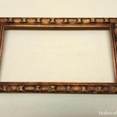 Antigüedades: ANTIGUO BELLO MARCO DORADO. Lote 248819605