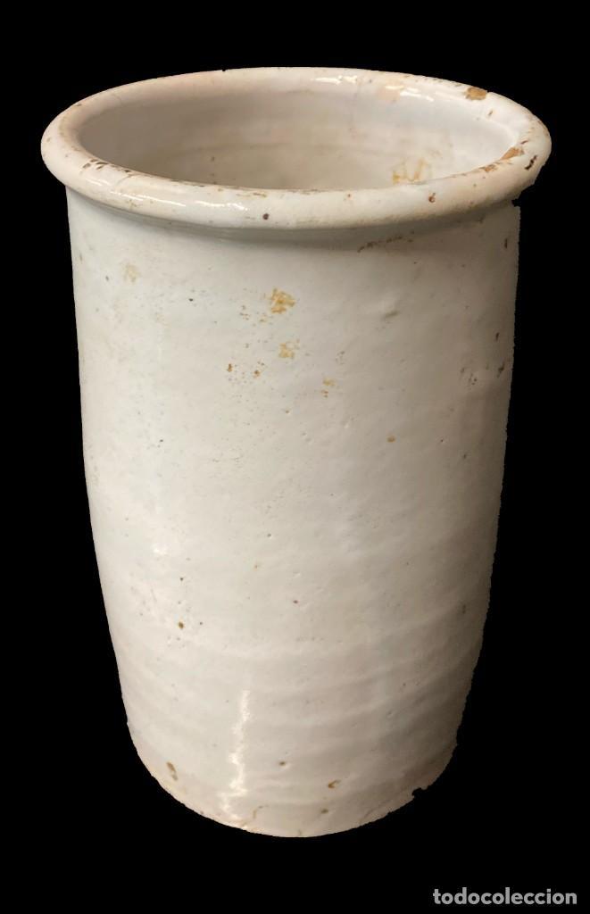 ANTIGUO BOTE, ALBARELO DE CERÁMICA VASCA ORIGINAL. XIX. 23X14X14 (Antigüedades - Porcelanas y Cerámicas - Otras)