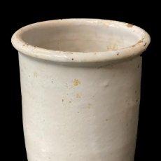 Antigüedades: ANTIGUO BOTE, ALBARELO DE CERÁMICA VASCA ORIGINAL. XIX. 23X14X14. Lote 248824400