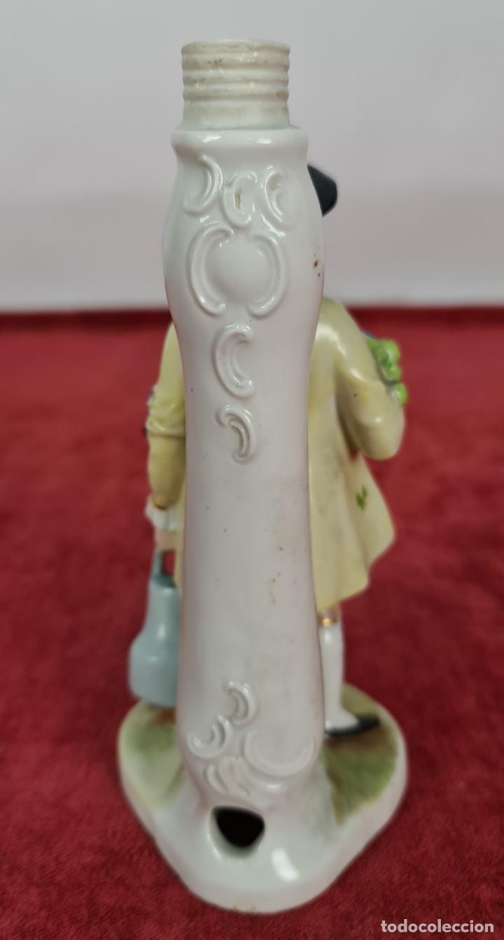 Antigüedades: JARDINERO. LÁPARA DE POECELANA ESMALTADA. WILLIAM GOEBEL. ALEMANIA. CIRCA 1920. - Foto 4 - 248962560