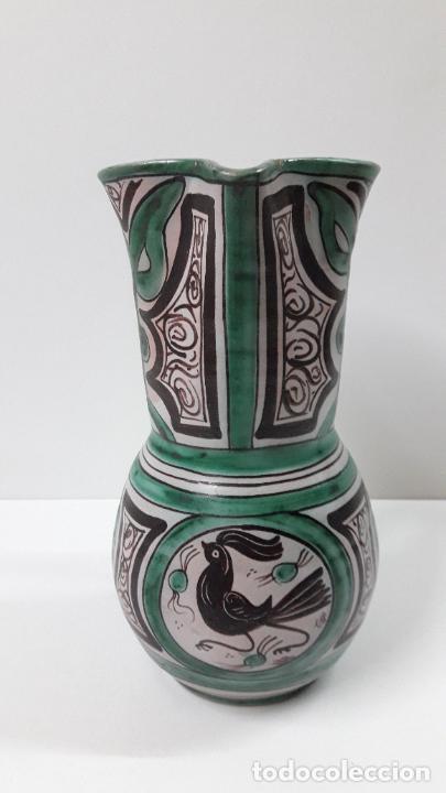 Antigüedades: PRECIOSA JARRA . REALIZADA POR LOS HERMANOS GORRIZ - CERAMICA DE TERUEL . ALTURA 22,5 CM - Foto 3 - 248987910