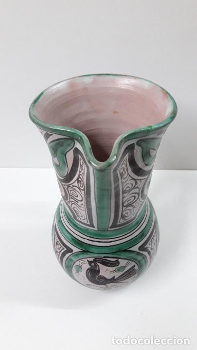 Antigüedades: PRECIOSA JARRA . REALIZADA POR LOS HERMANOS GORRIZ - CERAMICA DE TERUEL . ALTURA 22,5 CM - Foto 10 - 248987910