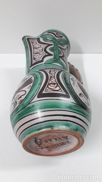 Antigüedades: PRECIOSA JARRA . REALIZADA POR LOS HERMANOS GORRIZ - CERAMICA DE TERUEL . ALTURA 22,5 CM - Foto 16 - 248987910