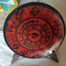 Antigüedades: PLATOS DE COLGAR CERÁMICA PERUANA VITRIFICADO. Lote 249009355