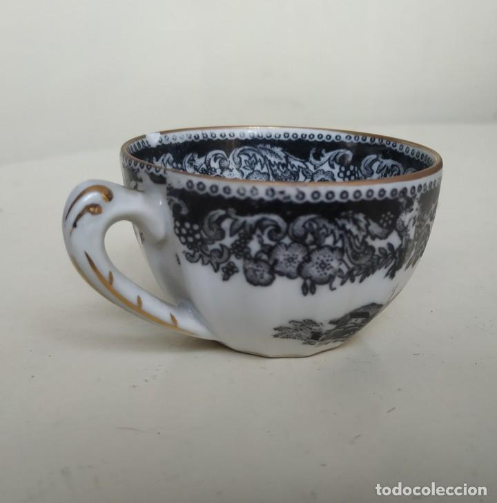 Antigüedades: Bonita taza de café o té de porcelana de Vigo, Santa Clara. - Foto 4 - 249011815