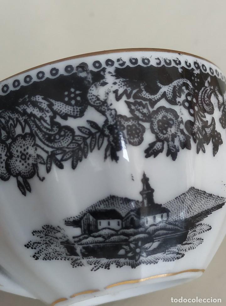 Antigüedades: Bonita taza de café o té de porcelana de Vigo, Santa Clara. - Foto 8 - 249011815