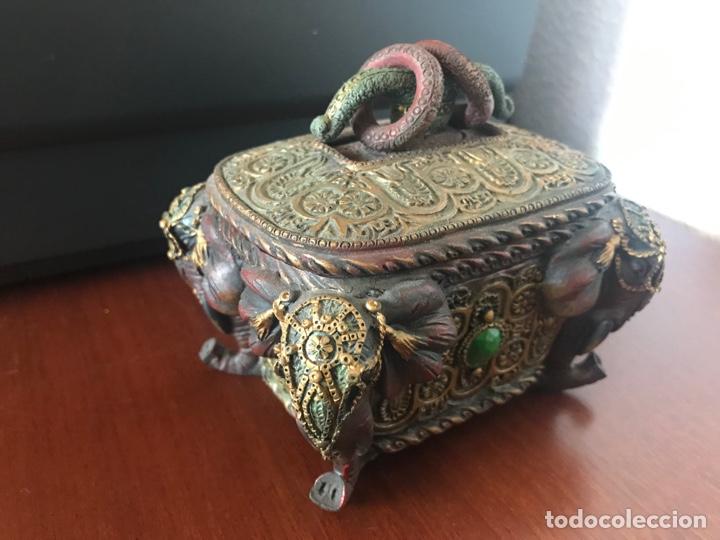 Antigüedades: Espectacular caja joyero con motivos etnicos - Foto 3 - 249031390
