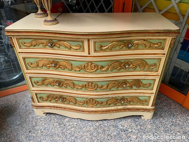 Antigüedades: Encantadora comoda o sifonier, policromada y con pomos de porcelana. en muy buen estado - Foto 3 - 249192375