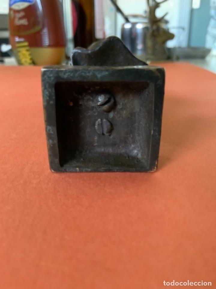 Antigüedades: FIGURA DE BRONCE Le Guluche. Firmada . Niña abrigada. Circa 1900. 11 cm. 400 gramos. - Foto 23 - 249269300