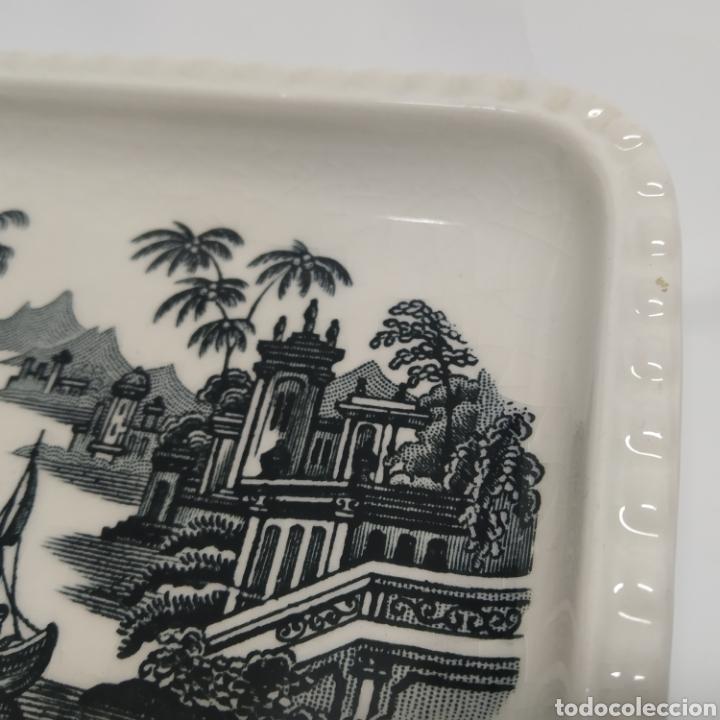 Antigüedades: Pequeña bandeja rabanera de PICKMAN, Cartuja de Sevilla. Vista en tinta negra, sello años 50 - 60 - Foto 2 - 249299400