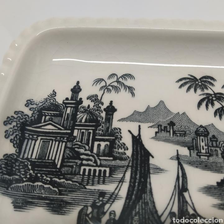 Antigüedades: Pequeña bandeja rabanera de PICKMAN, Cartuja de Sevilla. Vista en tinta negra, sello años 50 - 60 - Foto 3 - 249299400