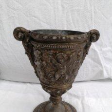 Antiquités: ANTIGUA COPA METALICA GRANDE CON FIRMA. Lote 249445575
