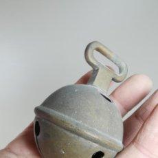 Antigüedades: ANTIGUO CASCABEL BRONCE SIGLO XIX--ESPAÑA -CATALUÑA --REF-MO. Lote 249474190