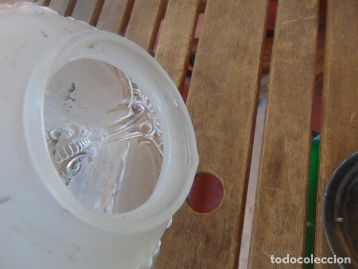 Antigüedades: TULIPA CON PARTE BAJA DE LAMPARA EN CRISTAL TALLADO, CON DECORACIÓN DE FLORES - Foto 11 - 249508575