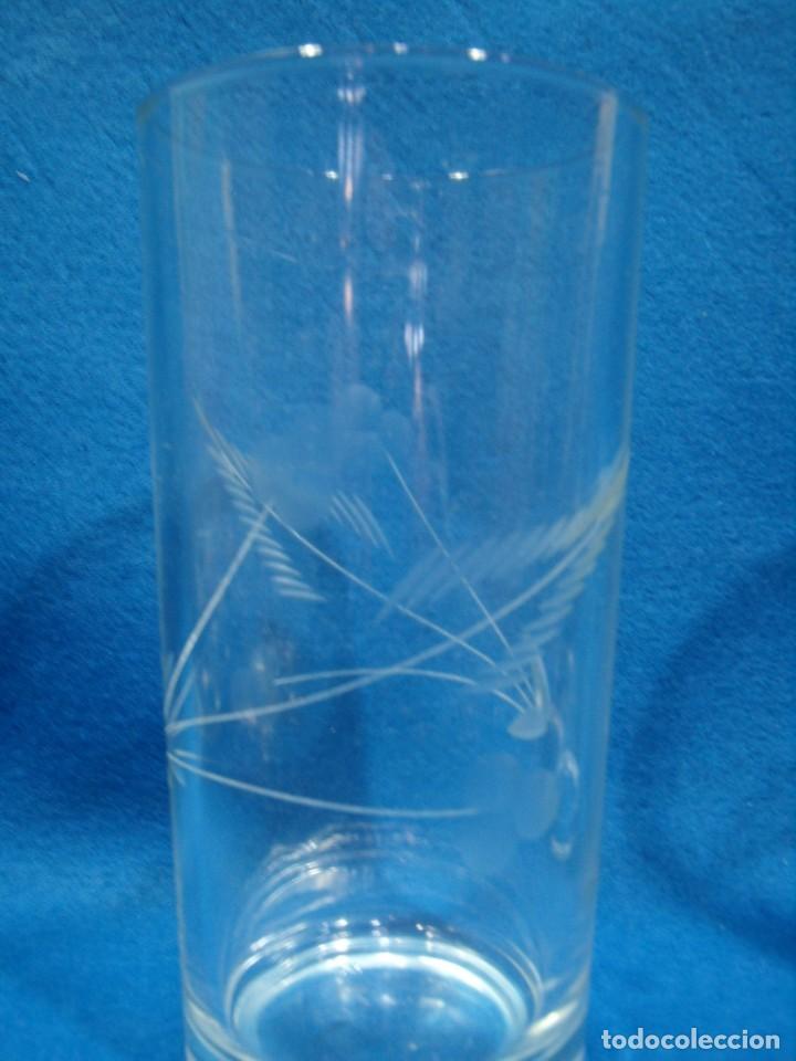 Antigüedades: Juego Whisky cristal tallado a mano 12 vasos y cubitera de VG Italia, años 80 Nuevo sin usar. - Foto 5 - 249550250