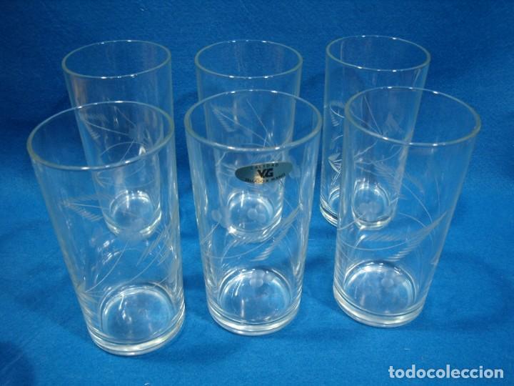 Antigüedades: Juego Whisky cristal tallado a mano 12 vasos y cubitera de VG Italia, años 80 Nuevo sin usar. - Foto 7 - 249550250